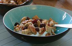 Easy Trail Mix with Greek Yogurt via @Alison Lewis -easy and healthy breakfast!