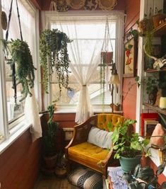 Cottagecore and More: Home Trends to Look Forward to in 2021 Dream Apartment, Aesthetic Room Decor, Dream Rooms, My New Room, Home Design, My Dream Home, Room Inspiration, Future House, Decoration