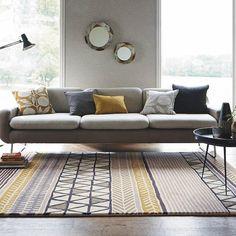 deco jaune curry salon gris moderne tapis motifs coussins motifs