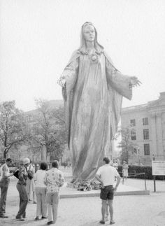 Our Lady of Peace Sculpture.  By Charles Parks.  Wilmington, DE.  8400-000-002 #514.1.  Delaware Public Archives.  www.archives.delaware.gov