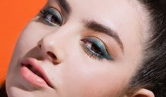 Glamour on Twitter: unexpected way to remix a cat eye, from @Charli_XCX & @MAKEUPFOREVERUS