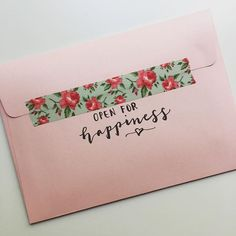 Cute Washi tape to close pen pal letter Mail Art Envelopes, Addressing Envelopes, Pen Pal Letters, Love Letters, Snail Mail Pen Pals, Snail Mail Gifts, Envelope Art, Calligraphy Envelope, Envelope Design