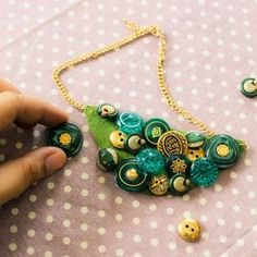 How to make a button bib necklace via @Guidecentral - Visit www.guidecentr.al for more #DIY #tutorials