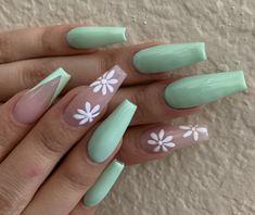 Mint Green Nails, Mint Nails, Daisy Nails, Purple Nails, Acrylic Nails Coffin Pink, Summer Acrylic Nails, Green Nail Designs, Cute Acrylic Nail Designs, Cute Nails