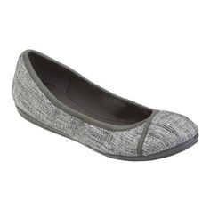 Love the Gessica? Now, imagine a pair of casual shoes you can wear and enjoy all-day and into-the-evening. That's Gulia - one of the newest members of our e360 Collection featuring All Encompassing Comfort. Good looks aside, Gulia's lightweight and flexible outsoles provide cushioned walking and rebound with every step, and the stretch upper lining hugs your feet for a custom-like, incredibly comfortable fit. Plus, Gulia's durable one-piece rubber outsole makes them ultra lightweight and…