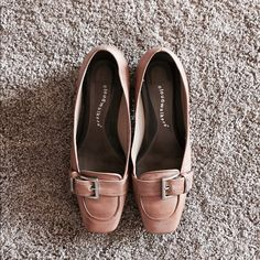 "Classic Leather tan flat shoe Lovely leather upper, deep tan 1"" heel shoe.  Gently worn. Have minor marking on the bottom side. Can not be seen when wearing. Cloudwalkers Shoes"