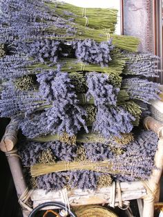 French lavender...can't you just smell it ! Makes you want to move to the south of France!