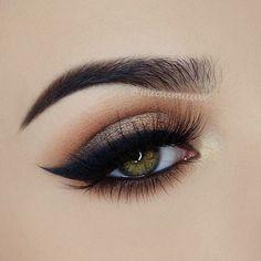 That wing though!❤️ @miaumauve creates this flawless cat eye look using our fan-favorite Little Black Dress gel eyeliner #eotd #motd #beauty #motivescosmetics