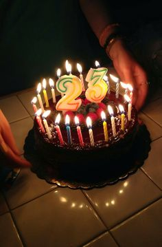 33 Ideas Happy Birthday Cake With Candles Image Happy Birthday Wishes Photos, Happy Birthday Cake Images, Birthday Wishes Quotes, Birthday Pictures, Happy Birthday Chocolate Cake, Birthday Chocolates, Birthday Cake With Candles, Bithday Cake, Snap Food