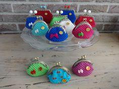 Gehaakte portemonnees La Petite Rooze www.lapetiterooze.be FB haakwerk Rita/La Petite Rooze