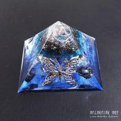 コズミック・バタフライ~新作オルゴナイトピラミッド♪|ATLANTIAN ART~天然石アクセサリー・点画・オルゴナイト