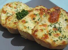 Crostinis de queso y ajo Thermomix