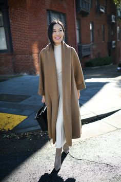 Monochromatic white outfit with neutral mid calf booties and a camel coat - classic work perfection Blazer Outfits, White Outfits, Cool Outfits, Fall Fashion Outfits, Autumn Fashion, Business Casual Outfits, Camel Coat, Office Fashion, Street Fashion