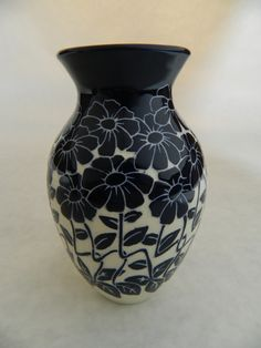 """Zinnia small vase by Ken Tracy. Cobalt on white clay. 4"""" tall."""
