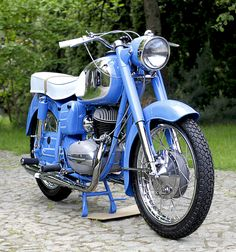One of the best restored Pannonia in Poland. Classic Motors, Classic Bikes, Classic Trucks, Antique Motorcycles, Cars And Motorcycles, Jawa 350, Super 4, Engin, Automotive Art
