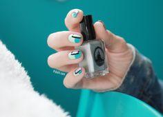 Turquoise bloc nailart