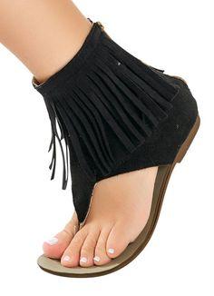 Sandália rasteira com franjas