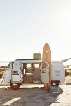 Volkswagon Van :: VDUB :: VW bus :: Volkswagen Camper :: The perfect vintage travel companion for the beach, surf, camping + summer road trips :: travel style & inspiration Surf Shack, Vw Bus, Vw Camper, Camper Life, Campers, Vw Beach, Beach Road, Beach Trip, Miami Beach