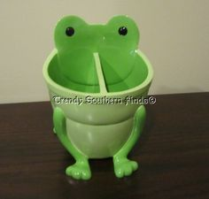 New pottery barn kids green frog bathroom accessories toothbrush