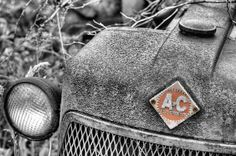 The Classic Allis by JC Findley. An Alis Chalmers tractor. Tractor Nursery, Tractor Decor, Old Tractors, John Deere Tractors, Garden Tractor Attachments, Miss The Old Days, Allis Chalmers Tractors, Best Black, Black And White Pictures