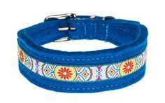 Flower Power modern interpretiert: Ein farbig-fröhliches Halsband aus doppeltem Wollfilz mit toller Borte. Breite ca. 3 cm, in verschiedenen Filzfarben erhältlich.