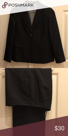 """2pc Evan Picone Pant Suit Black Excellent 2 pc pant suit size 14. Made of 100% polyester. The straight leg pants measure 42"""" with 32"""" inseam. The jacket has a two button closure and sleeves measuring 23"""" long. Evan Picone Other"""