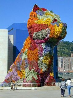 Jeff Koons 'Puppy' 1995 12 metre irrigated topiary sculpture