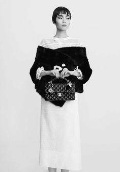 1-Girl-1-bag-7-looks-by-CR-Fashion-Book-2013-4