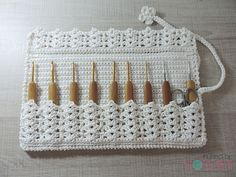 Crochet Purse Organizer Pattern Yarns 20 Ideas For 2020 Crochet Hook Case, Crochet Stitches, Crochet Hooks, Free Crochet, Crochet Needles, Purse Organizer Pattern, Crochet Organizer, Crochet Coaster Pattern, Crochet Patterns