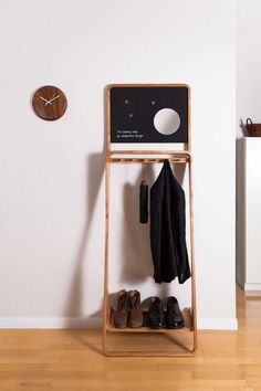 Toronto-based designer Jason van der Burg of Urbanworm Design, has created the Leaning Loop, a multi-purpose organiser made from solid hardwood.