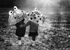 Fun with Photography [Allen Mckinney Plano Frisco Family Photographer] Rain Umbrella, Under My Umbrella, Walking In The Rain, Singing In The Rain, Black White Photos, Black And White Photography, I Love Rain, Rain Go Away, Sound Of Rain