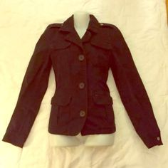 Old Navy Black Fitted Lined Jacket M Old Navy Black Fitted 100% Cotton Lined Jacket M Super cute!!! Great detail!!!  Minor spot above pocket with white in stitching. Shown in photos. Only minor defect. Old Navy Jackets & Coats Utility Jackets