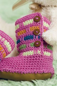 We just couldn't resist this adorable spike stitch crochet booties! Use the basic spike stitch crochet pattern to create extra fun on boots, vests and more. Free pattern!