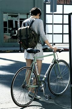 Bianchi girl | Shared from http://hikebike.net