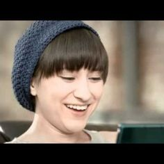 zelda-spot-18 Zelda Williams playing 3DS in the Nintendo Spot. #Robin #Williams #Zelda #spot