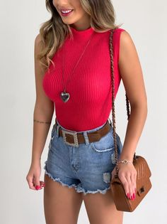 Denim Skirt, Jean Shorts, Jeans Pants, Look Con Short, Pink Fashion, Womens Fashion, Kinds Of Clothes, Casual Jeans, Green Sweater
