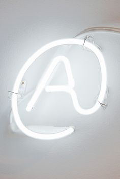 Your PA controls perfectly the technologies. #PersonalAssistant by www.albertalagrup.com | design @ by Damien Aspe