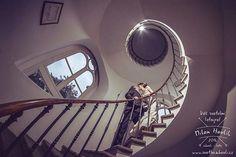 Nezapomenutelná pražská svatba, kdy jsme během jednoho odpoledne navštívili hned 3 zámečky. Ten poslední byl letenský a tam je toto úžasné schodiště. Díky Anně a Ondrovi za super focení. #svatba #wedding #svatebnifoto #weddingphoto #svatebnifotograf #weddingphotographer #praha #praguewedding #prague #svatbavpraze #nevesta #zenich #schodiste #tociteschodiste #letenskyzamecek #fisheye #8mm #uzasnilide #nadherneprostredi #radosttofotit #mamsvojipracirad #fotiltomilan