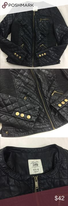 Zara faux quilted leather jacket ⭐️ Great ore owned condition with super awesome detailing throughout the entire jacket! Happy to help with measurements! I consider all reasonable offer! Use the bundle feature for an exclusive offer 🤗 Zara Jackets & Coats