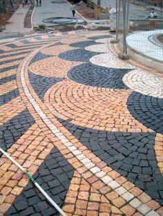 piso entrada pedras portuguesas.
