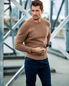 Considering David Gandy's birthday is February there should be an International David Gandy Day ;-) I mean of all the models and fitness models out there, I'd say David James Gandy is the one most women go absolutely ga-ga over. David Gandy Style, David James Gandy, Famous Male Models, Casual Outfits, Men Casual, Smart Casual, Androgynous Models, Style Masculin, Most Stylish Men
