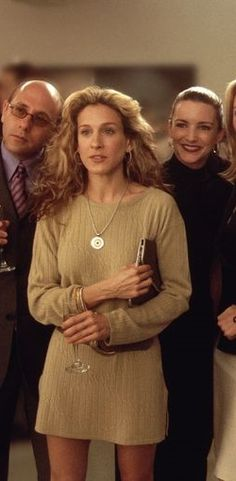 These Carrie Bradshaw outfits should be inspiring your spring style (like this soft sweater dress). Even if most of her looks from Sex and the City are a touch too crazy for your taste, there are still valuable lessons to learn. Click to see them all!