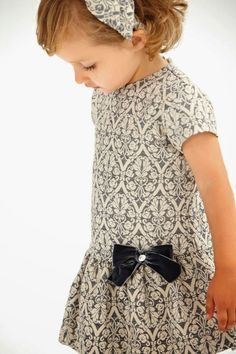 Paz Rodríguez Collection Fashion for girls Little Girl Fashion, Little Girl Dresses, Girls Dresses, Outfits Niños, Kids Outfits, Toddler Dress, Baby Dress, Young Fashion, Kids Fashion