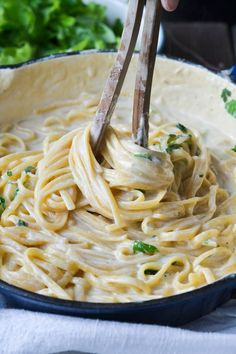 Christina macht was: One Pot Alfredo Pasta Pasta - Pasta salad - Pasta rezepte - Nudelgerichte - Sou Veggie Alfredo, Pasta Alfredo, Alfredo Recipe, Alfredo Sauce, Alfredo Noodles, Pasta Sauce, Pasta Recipes, Crockpot Recipes, Dinner Recipes