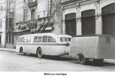Trolebus Man con remolque para qequipajes de la linea Coruña-Carballo,que hacía en unos 75 min.Empezaron a circular en 1950,y salíande la estación de la calle Betanzos. (en la foto se ve un rótulo de El Pote)