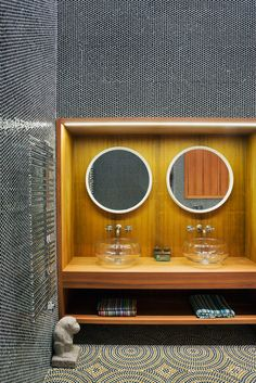Bathroom | Mosaic Tile | Double Vanity with Fishbowl Sinks