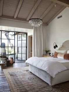 Interior design Richard Lane via Belgian Pearls