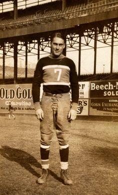 New York Giants center Mel Hein (1933)