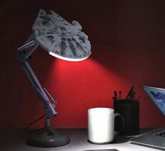 Millennium Falcon Posable Desk Lamp - New Ideas Star Wars Decor, Decoration Star Wars, Star Wars Art, Star Trek, Millennium Falcon, Star Wars Zimmer, Star Wars Bedroom, Geek Bedroom, Home Decor Ideas