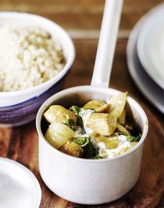 Broileri-lehtikaalicurry on mainiota arkiruokaa: nopea tehdä, terveellistä ja koko perheelle maistuvaa. Katso resepti!